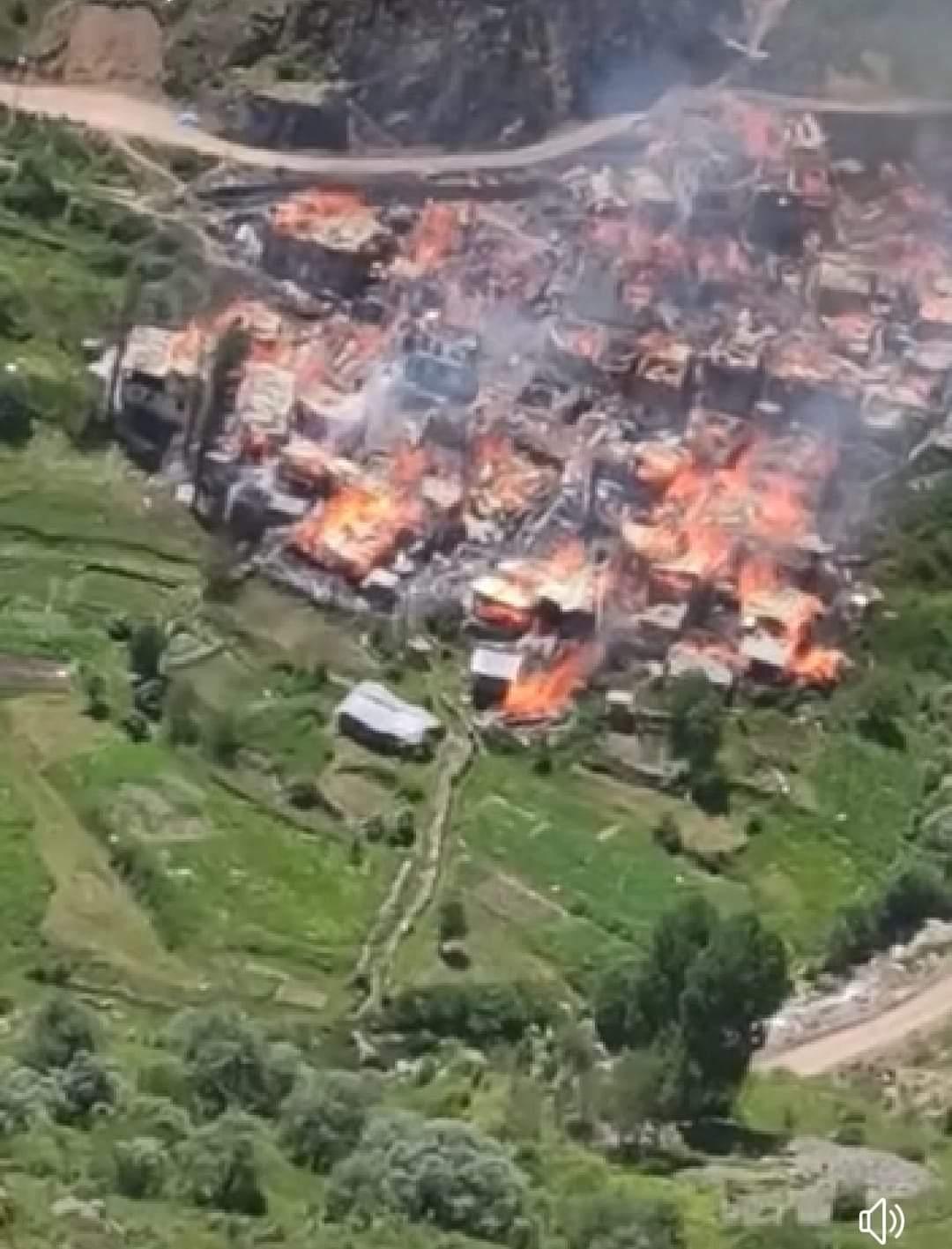 Haut-Karabakh : des Arméniens brûlent des maisons avant la cession de régions à l'Azerbaïdjan