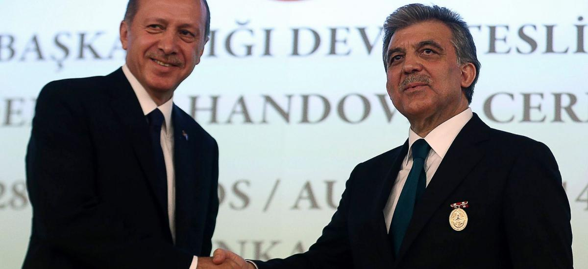 [Chronique] Le principal chef de l'opposition turque soutient Gül pour affronter Erdogan