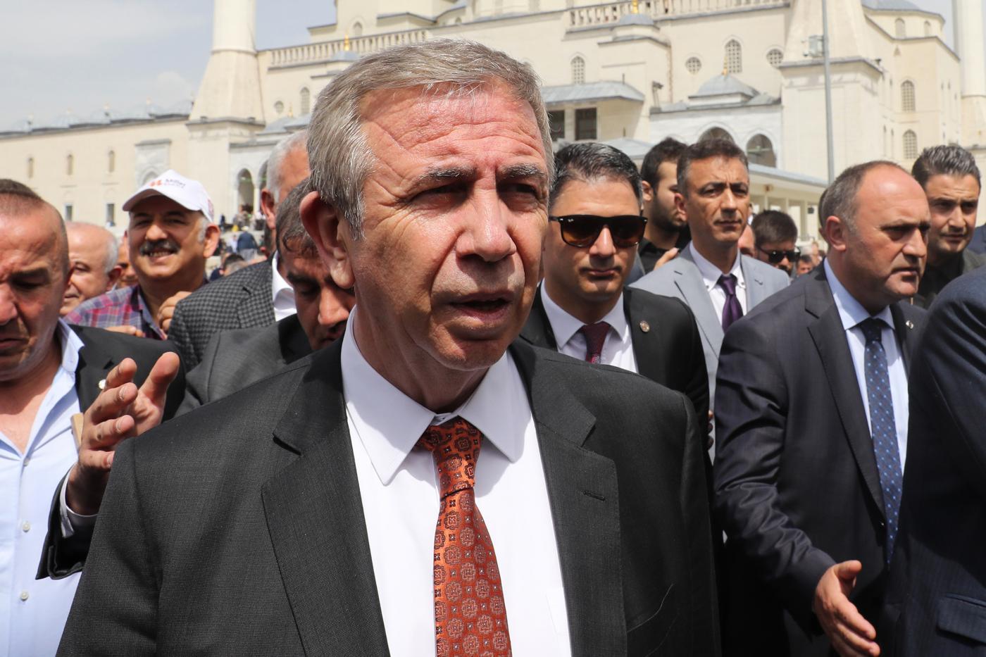 Le maire de l'opposition d'Ankara, Mansur Yavaş, reçoit le prix international de la transparence
