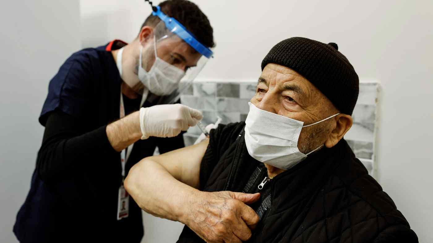"""La Turquie déclare que le vaccin chinois Sinovac est """"significativement efficace"""""""