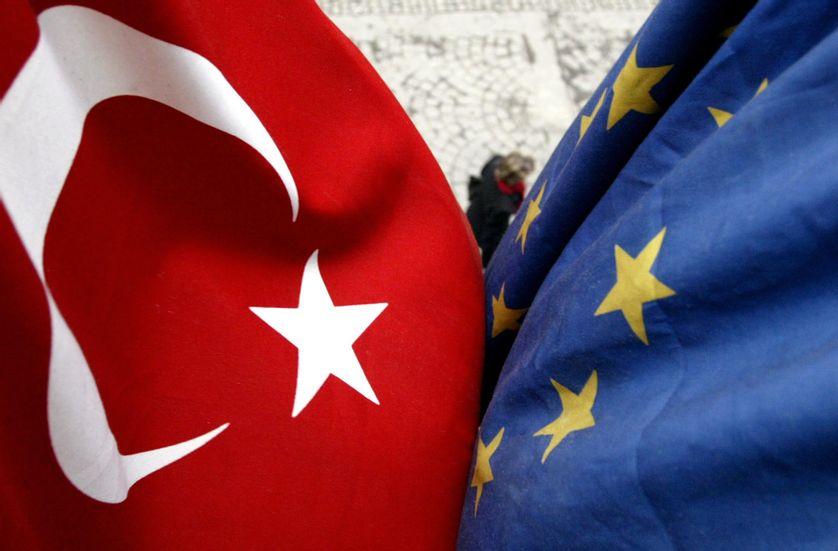 Erdogan déclare que la Turquie reste attachée à l'adhésion à part entière à l'UE