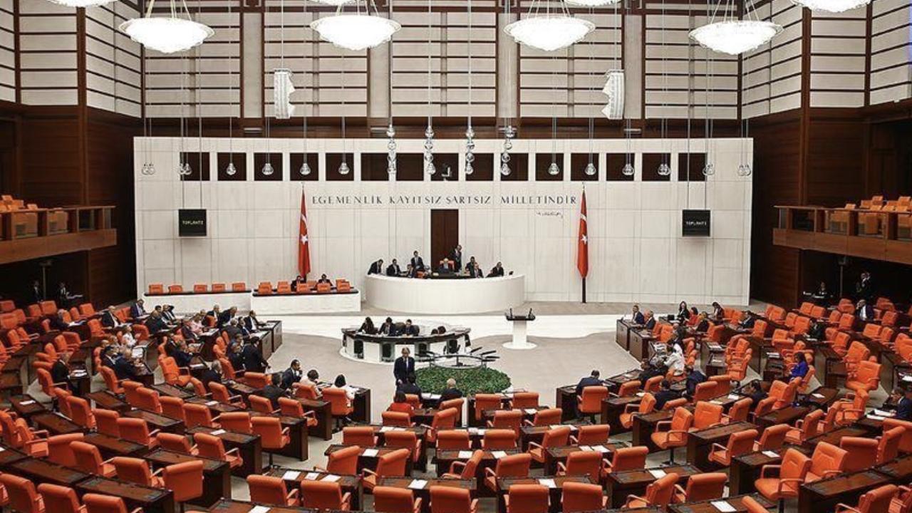 Le parlement turc confirme le rapport sur les violations des droits de l'homme par les arméniens