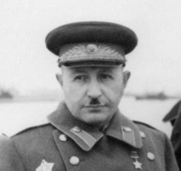Les efforts du maréchal Bagramian pour défendre la mémoire de Staline