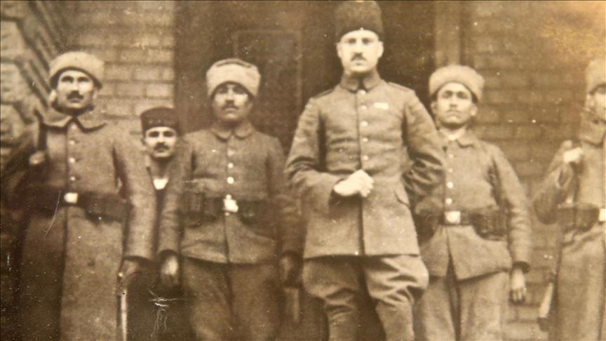 Originaire du Cachemire, Pathan symbolise les liens de la Turquie avec l'Asie du Sud