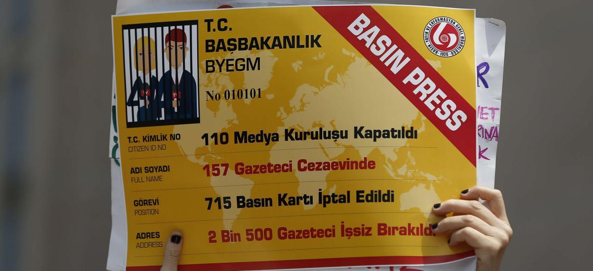La Turquie fait pression sur les journalistes via l'accréditation de presse