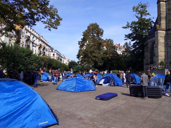 Des militants du PKK installent 120 tentes devant une église et sont vite délogés